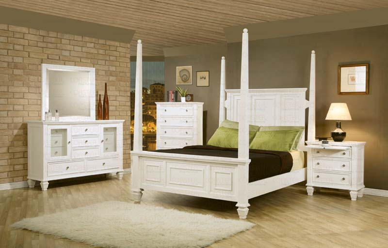 Save Big On The White Sandy Beach Post 5pc Bedroom Set E King